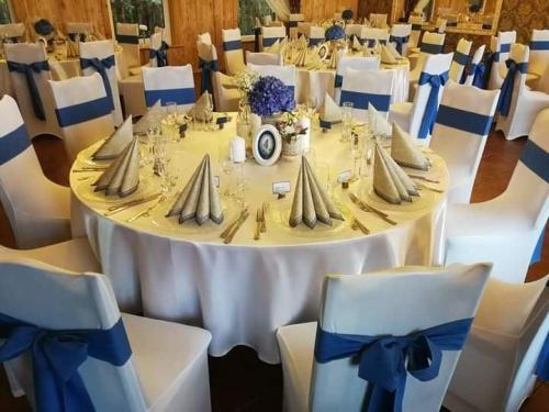 vestuviu stalai